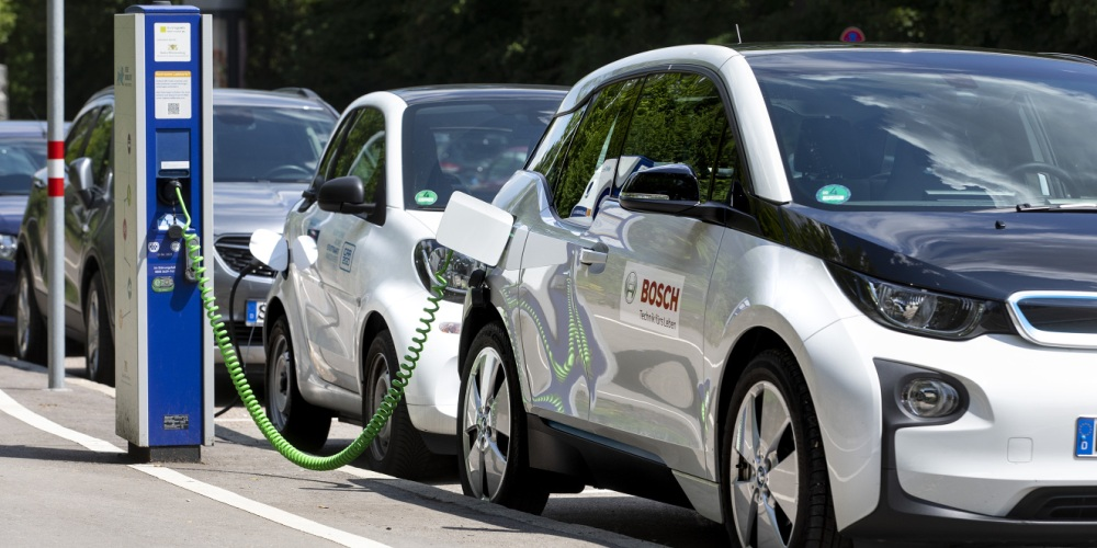 Indian Companies Embrace Electric Mobility to Reduce Air Pollution