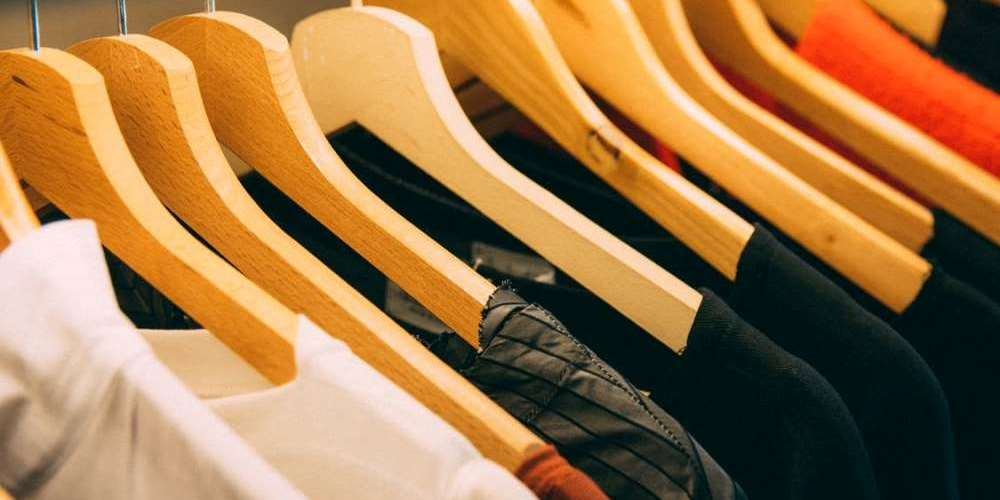 How to Sell an Online Clothing Business