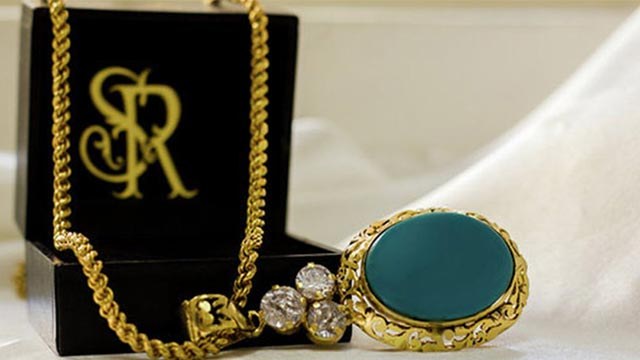 Victorian Style of designing jewellery and clothes business in Mumbai is looking for investors