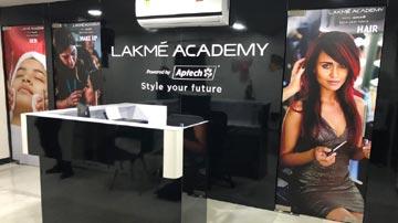 Lakme Academy In Mumbai For Sale