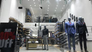3 Stores for Sale – Van Heusen, Louis Philippe & Allen Solly at Pune