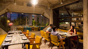 Buy Profitably running Fine Dine Restaurant located in Ghaziabad